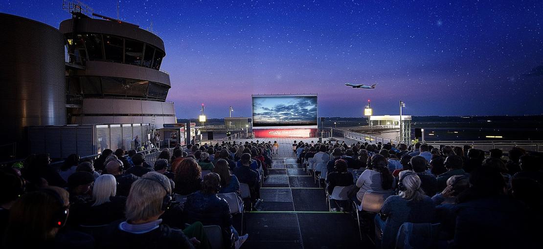 Kinofilme auf der Flughafenterasse